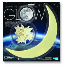 4M Tamsoje šviečiančios žvaigždės ir mėnulis